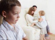 عواقب فرق گذاشتن بین فرزندان