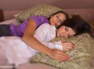 شغل این زن زیبا خوابیدن در آغوش مردان مجرد است