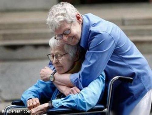 ازدواج عاشقانه و جنجالی دختر 94 ساله با معشوقه اش ! عکس