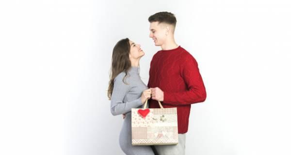 راه و رسم هدیه دادن در دوران نامزدی